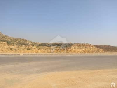 پاکستان ایئر کریو کو-آپریٹو ہاؤسنگ سوسائٹی سکیم 33 کراچی میں 1.2 کنال رہائشی پلاٹ 1.6 کروڑ میں برائے فروخت۔