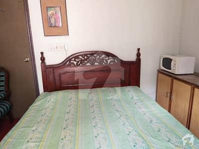 ڈی ایچ اے فیز 2 - بلاک ایس فیز 2 ڈیفنس (ڈی ایچ اے) لاہور میں 1 کمرے کا 1 کنال کمرہ 26 ہزار میں کرایہ پر دستیاب ہے۔