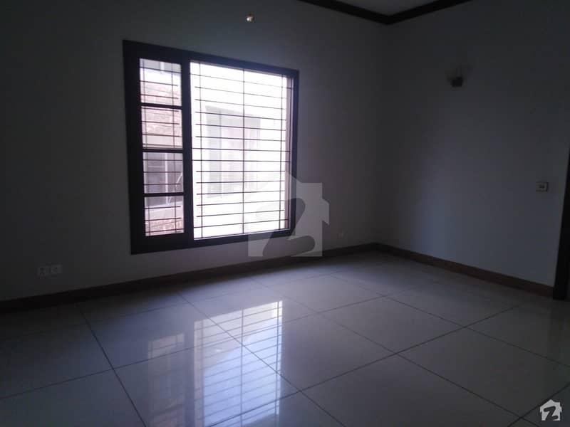 ڈی ایچ اے فیز 7 ڈی ایچ اے کراچی میں 4 کمروں کا 12 مرلہ مکان 8.5 کروڑ میں برائے فروخت۔