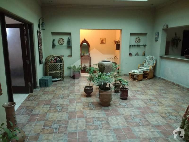 بیدیاں روڈ لاہور میں 4 کمروں کا 4 کنال فارم ہاؤس 2.9 لاکھ میں کرایہ پر دستیاب ہے۔