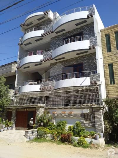 گلستانِِ جوہر ۔ بلاک 3 گلستانِ جوہر کراچی میں 9 کمروں کا 10 مرلہ مکان 4.3 کروڑ میں برائے فروخت۔
