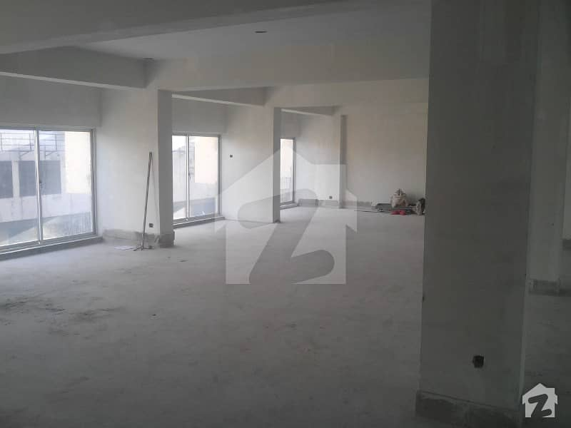 آئی ۔ 9 اسلام آباد میں 10 کنال عمارت 45 کروڑ میں برائے فروخت۔