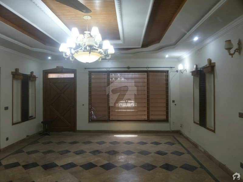 10 Marla House For Sale In D-12