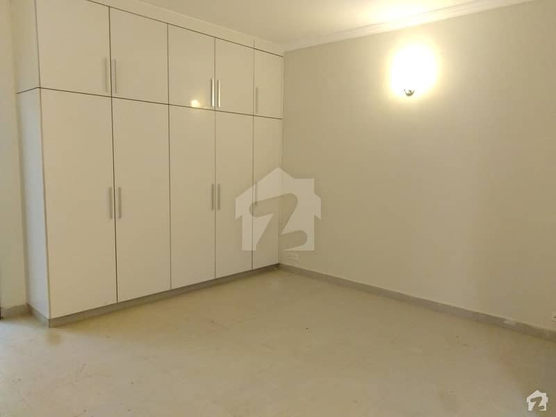 200 Square Yards Flat Available For Sale In Bahria Town Karachi
