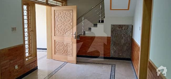 مارگلہ ٹاؤن اسلام آباد میں 5 کمروں کا 7 مرلہ مکان 3.1 کروڑ میں برائے فروخت۔