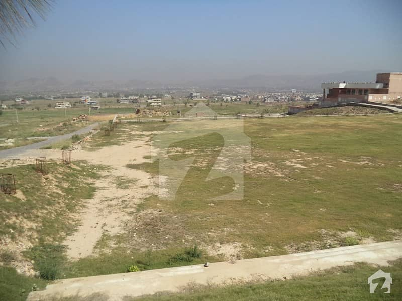 9 Marla Residential Plot For Sale In D17 Islamabad
