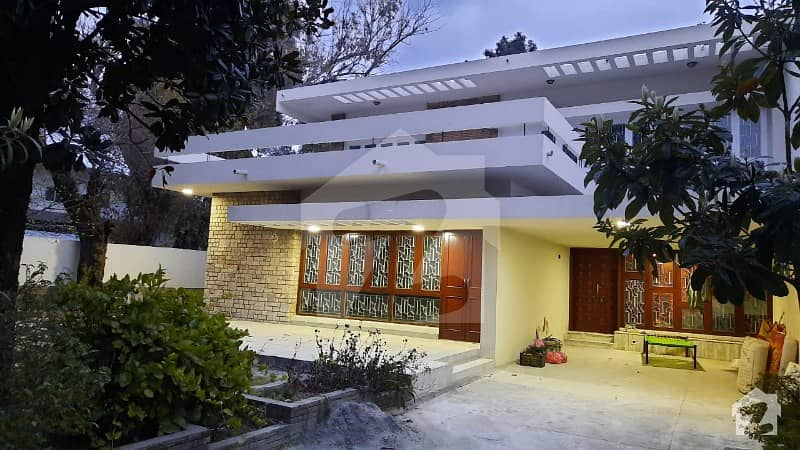 G6 686 Sq Yd Beautiful House On A Very Good Location Is Available For Rent