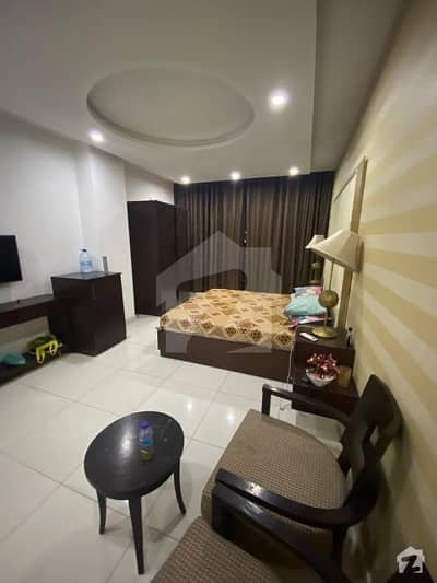 360  Square Feet Flat Ideally Situated In Jaranwala Road
