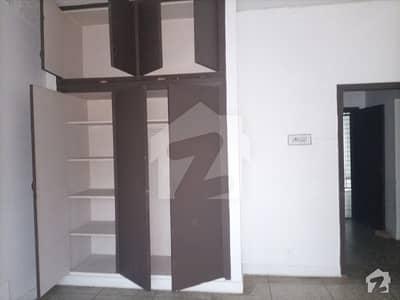 جی ۔ 6/2 جی ۔ 6 اسلام آباد میں 2 کمروں کا 9 مرلہ بالائی پورشن 55 ہزار میں کرایہ پر دستیاب ہے۔