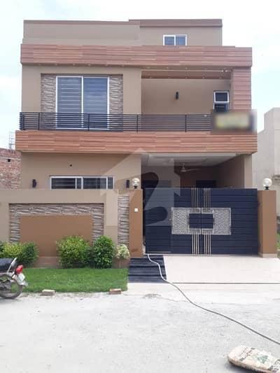 سٹیٹ لائف فیز۱۔ بلاک اے ایکسٹینشن اسٹیٹ لائف ہاؤسنگ فیز 1 اسٹیٹ لائف ہاؤسنگ سوسائٹی لاہور میں 3 کمروں کا 5 مرلہ مکان 1.12 کروڑ میں برائے فروخت۔