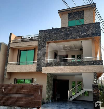 10 Marla Corner Main Road Double Story Brand New House for Sale