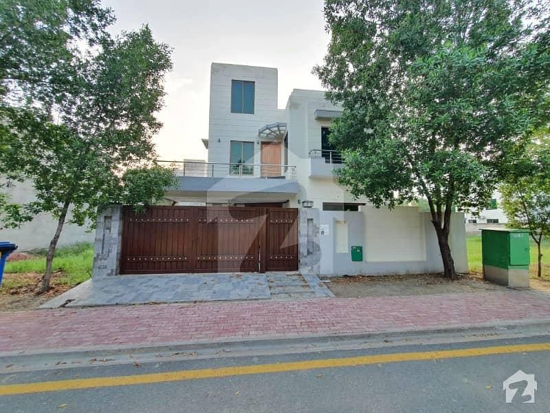 بحریہ ٹاؤن رفیع بلاک بحریہ ٹاؤن سیکٹر ای بحریہ ٹاؤن لاہور میں 4 کمروں کا 10 مرلہ مکان 1.65 کروڑ میں برائے فروخت۔