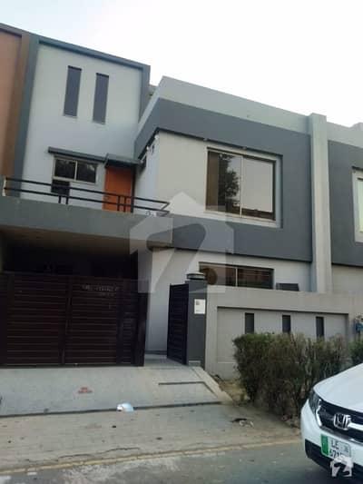 بحریہ ٹاؤن ٹؤلپ ایکسٹینشن بحریہ ٹاؤن سیکٹر سی بحریہ ٹاؤن لاہور میں 3 کمروں کا 5 مرلہ مکان 1.15 کروڑ میں برائے فروخت۔