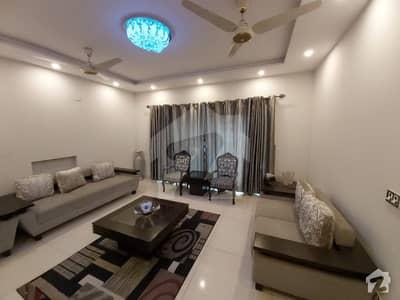 ڈی ایچ اے فیز 6 - بلاک ای فیز 6 ڈیفنس (ڈی ایچ اے) لاہور میں 5 کمروں کا 1 کنال مکان 4.5 کروڑ میں برائے فروخت۔
