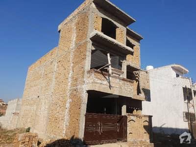 لہتاراڑ روڈ اسلام آباد میں 5 کمروں کا 6 مرلہ مکان 70 لاکھ میں برائے فروخت۔