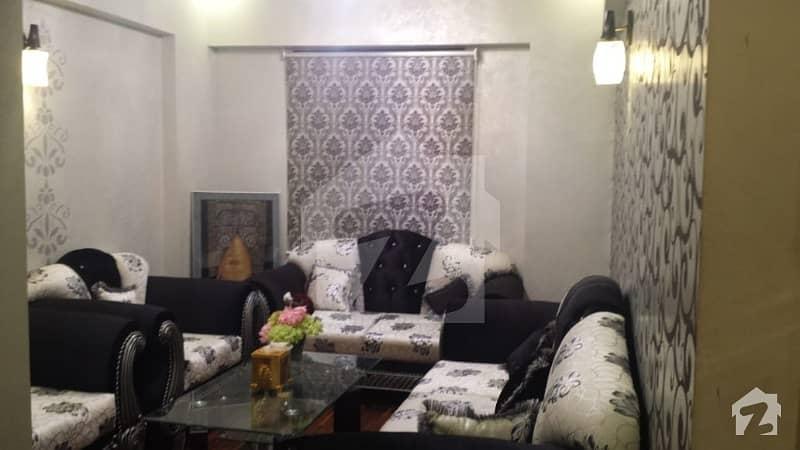 بخاری کمرشل ایریا ڈی ایچ اے فیز 6 ڈی ایچ اے ڈیفینس کراچی میں 3 کمروں کا 5 مرلہ فلیٹ 1.25 کروڑ میں برائے فروخت۔