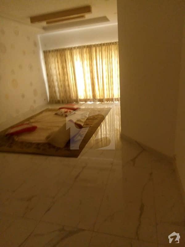 گلبرگ لاہور میں 10 مرلہ مکان 3.25 کروڑ میں برائے فروخت۔