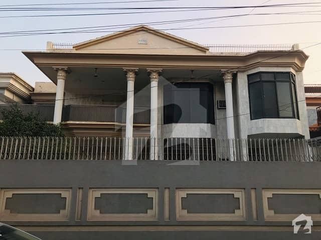 حیات آباد فیز 2 حیات آباد پشاور میں 12 کمروں کا 1 کنال مکان 4.5 کروڑ میں برائے فروخت۔