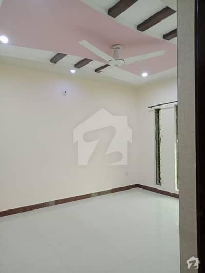 بحریہ ٹاؤن سیکٹر سی بحریہ ٹاؤن لاہور میں 2 کمروں کا 10 مرلہ زیریں پورشن 45 ہزار میں کرایہ پر دستیاب ہے۔