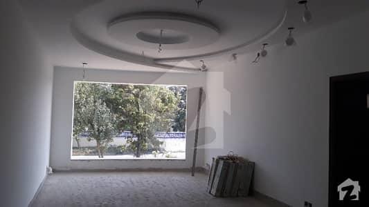 ایف ۔ 11/1 ایف ۔ 11 اسلام آباد میں 11 کمروں کا 2 کنال مکان 16 کروڑ میں برائے فروخت۔