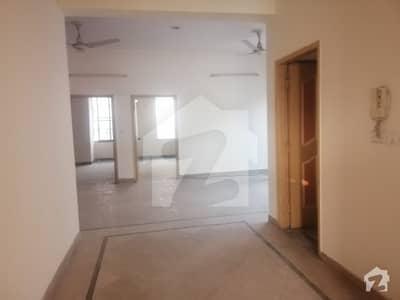 Allama Iqbal Town Ravi Block 10 Marla 6 Bedroom Marble Flooring  House For Sale