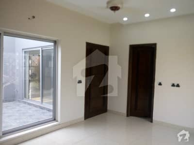 10 Marla Spacious Upper Portion Available In Paragon City For Rent
