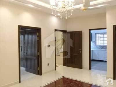 پیس وُوڈلینڈز بیدیاں روڈ لاہور میں 3 کمروں کا 8 مرلہ مکان 46 ہزار میں کرایہ پر دستیاب ہے۔