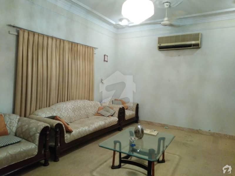 ڈی ایچ اے فیز 7 ڈی ایچ اے کراچی میں 4 کمروں کا 12 مرلہ مکان 7.2 کروڑ میں برائے فروخت۔