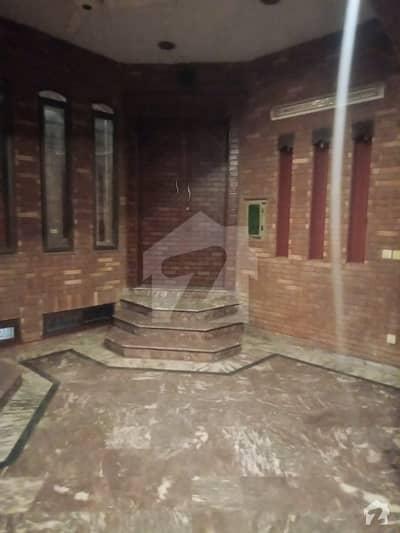 طارق گارڈنز لاہور میں 3 کمروں کا 6 مرلہ مکان 55 ہزار میں کرایہ پر دستیاب ہے۔