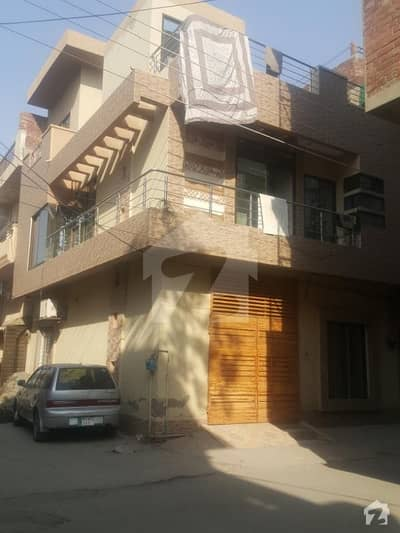 اسلام پورہ لاہور میں 4 کمروں کا 3 مرلہ مکان 1.25 کروڑ میں برائے فروخت۔