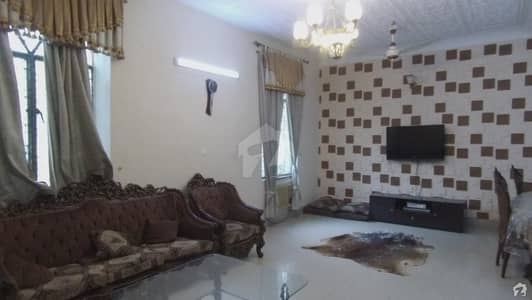 5 Bedrooms Luxury House For Sale