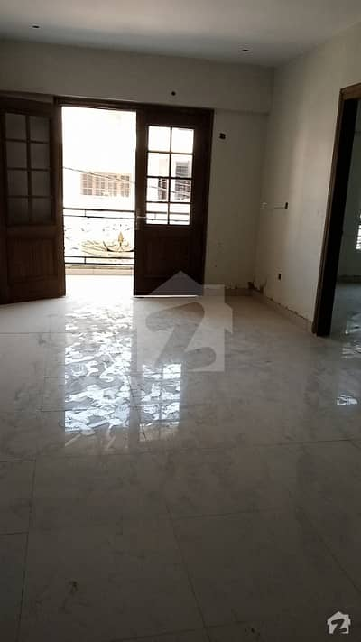 2700  Square Feet Flat Up For Sale In M. A. Jinnah Road