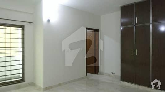 عسکری 11 عسکری لاہور میں 3 کمروں کا 10 مرلہ فلیٹ 52 ہزار میں کرایہ پر دستیاب ہے۔